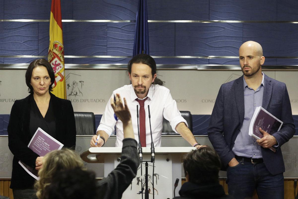 Pablo Iglesias en la presentación del documento con las propuestas al PSOE. (Foto: EFE)