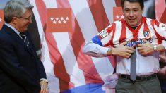 Cerezo y González celebran un título del Atlético de Madrid. (Foto: EFE)