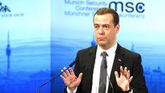 Dimitri Medvedev este sábado en Munich (Foto: AFP).
