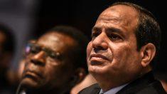 El presidente egipcio, Abdelfatah al Sisi, unto al dictador guineano, Teodoro Obiang. (AFP)