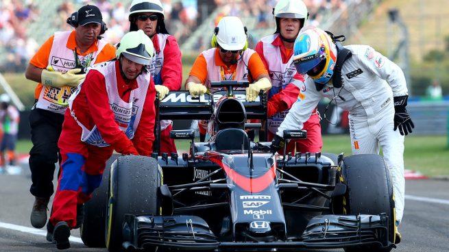 Alonso y McLaren llevarán en los test el nuevo motor Honda de 2016