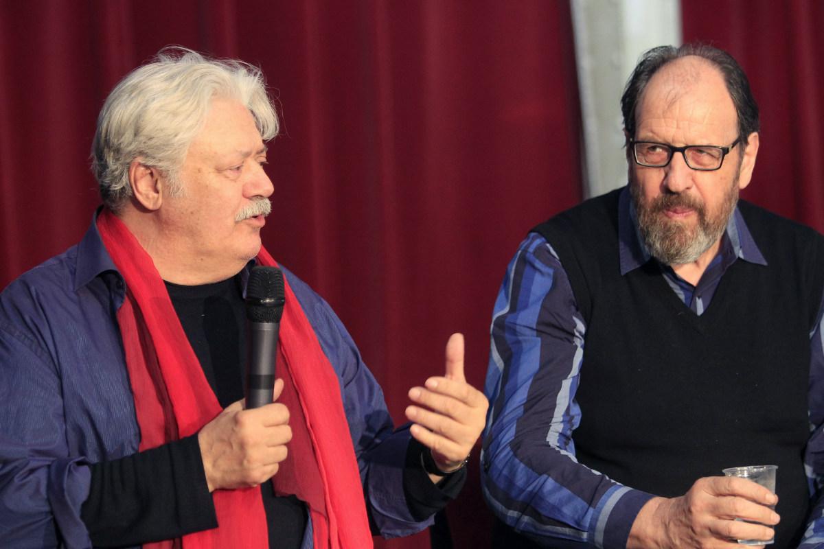 El director, Mario Gas, y el actor principal, José María Pou, durante la rueda de prensa