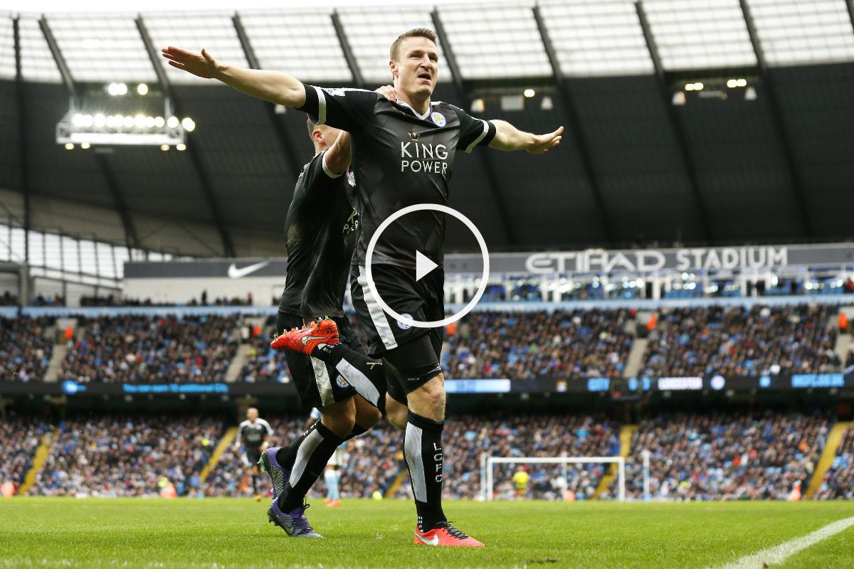 Huth celebra uno de sus dos goles ante el Manchester City. (Reuters)