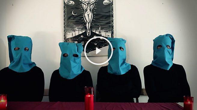 Unas feminazis del 15M defendían vestidas de etarras la procesión del 'coño insumiso'