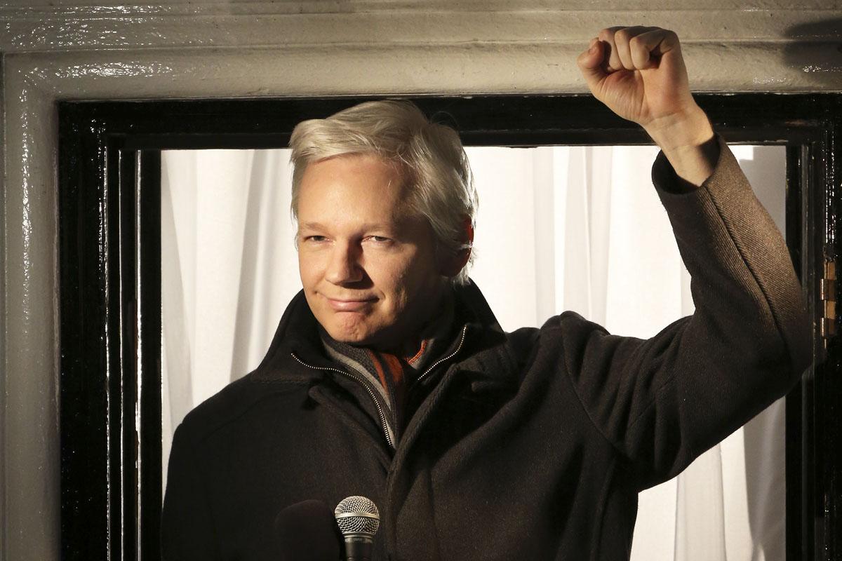 Julian Assange, el 'hacker' prófugo de la Justicia, y ahora independentista catalán. (Foto: AFP)