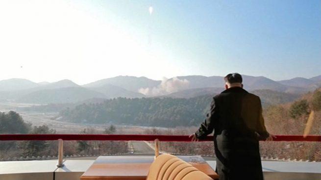 """Corea del Norte amenaza con """"hundir"""" Japón y reducir EEUU a """"cenizas y oscuridad"""""""