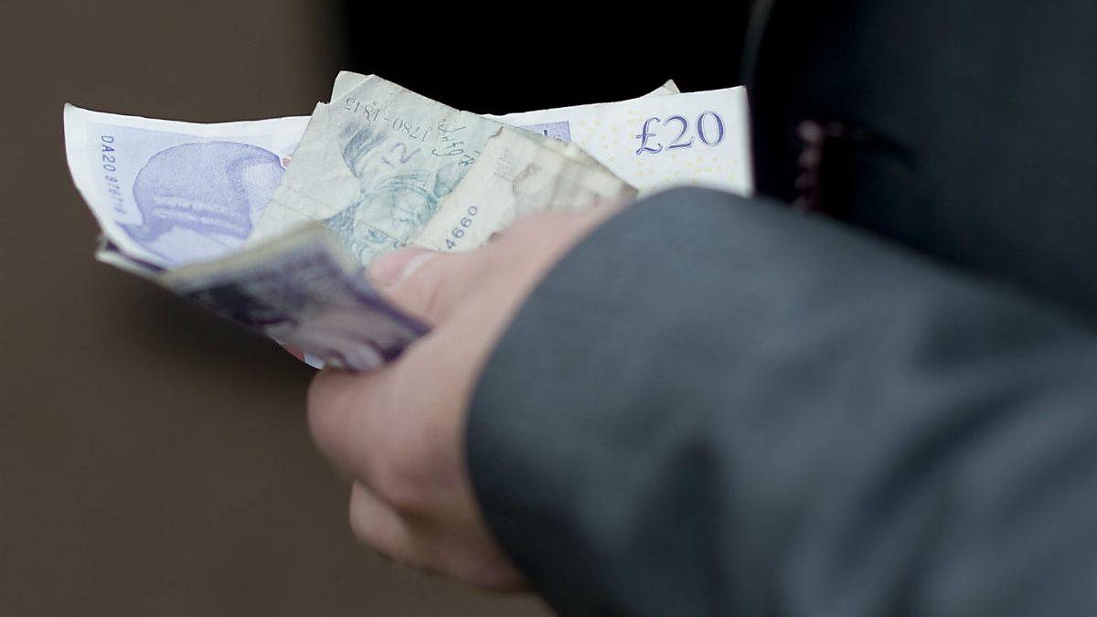 Billetes de libras (Foto: GETTY).