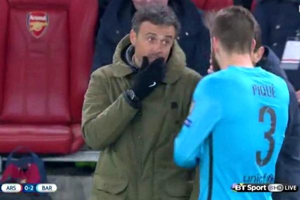 Luis Enrique y Unzúe piden a Piqué que fuerce la amarilla.