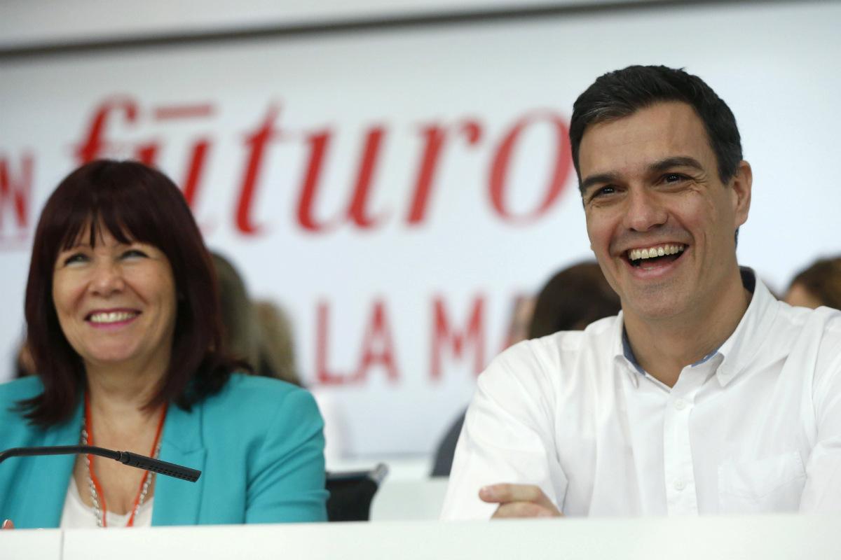 Micaela Navarro y Pedro Sánchez. (Foto:EFE)