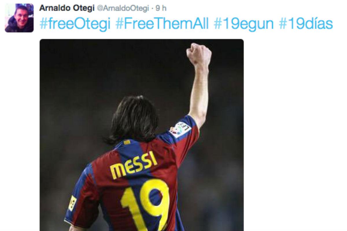 Otegi usó una foto de Messi en su Twitter.