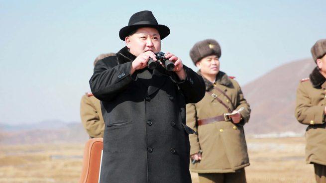 """Kim Jong-un dice que su armamento nuclear responde a un """"equilibrio de fuerzas real"""" con EEUU"""