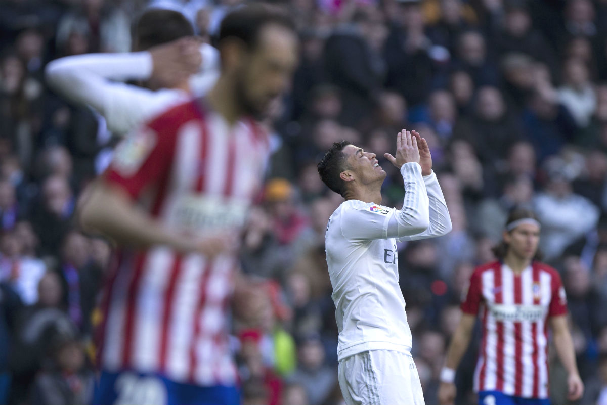 Cristiano Ronaldo se lamenta tras fallar una ocasión de gol. (Getty)