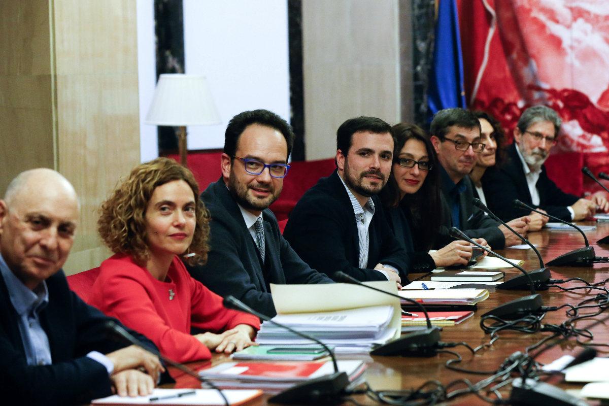Imagen de la reunión d las izquierdas, este lunes. (EFE)
