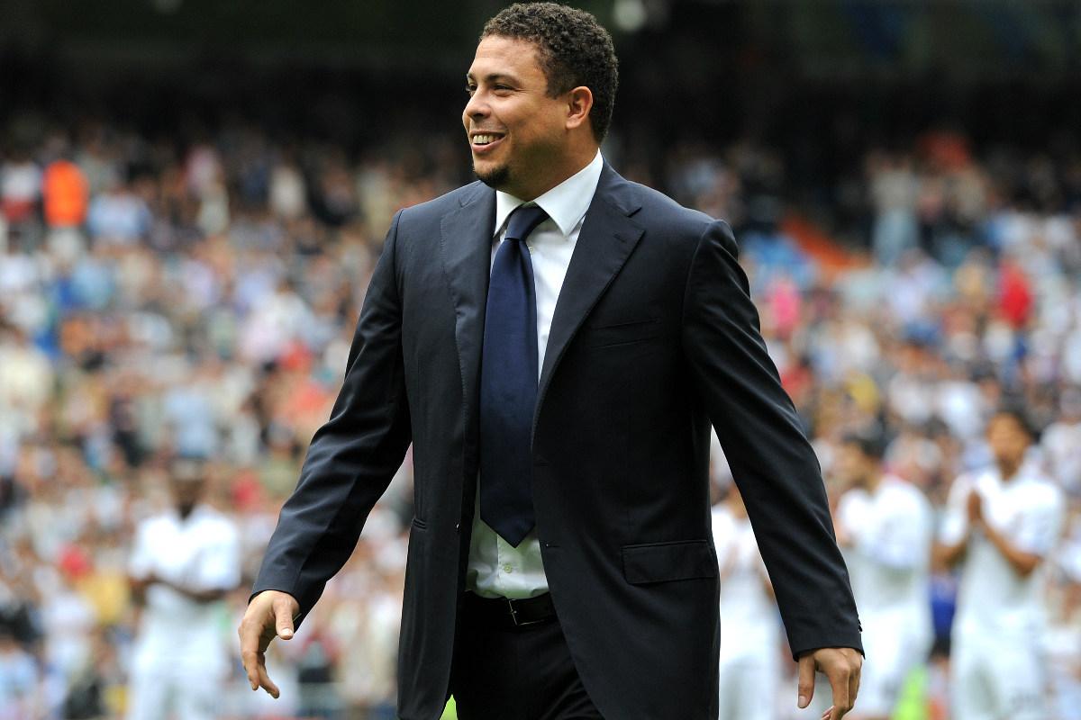 Ronaldo Nazario, durante su visita al Bernabéu en el Real Madrid-Sporting en 2011. (Getty)