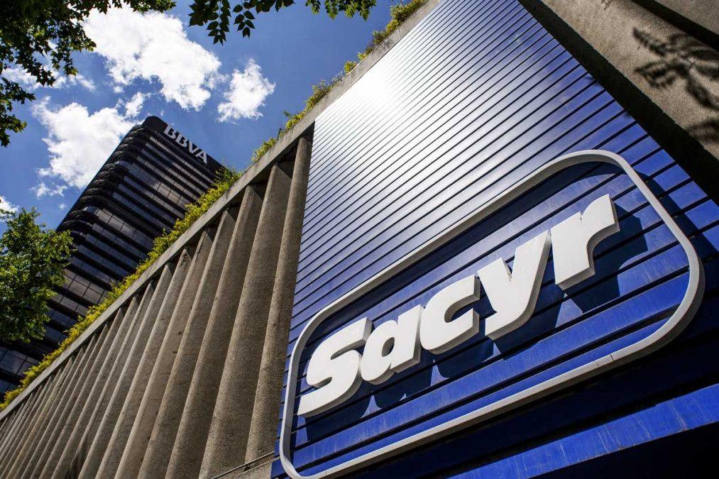 Fachada de la sede madrileña de Sacyr. (Foto: Getty)