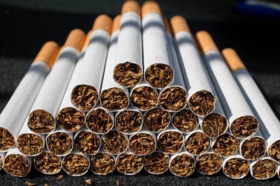 Mostrar el uso del tabaco en el cine fomenta que los jóvenes empiecen a fumar