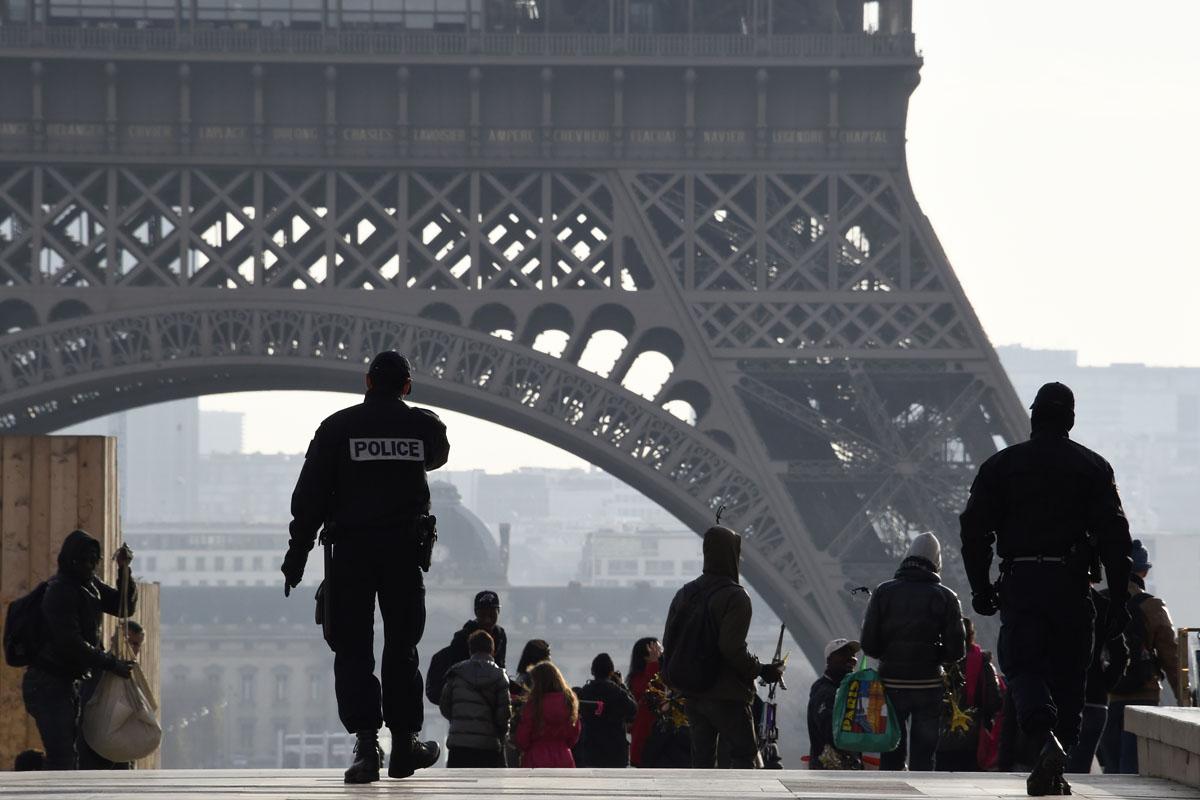 Inmediaciones de la Torre Eiffel. (Foto: AFP)