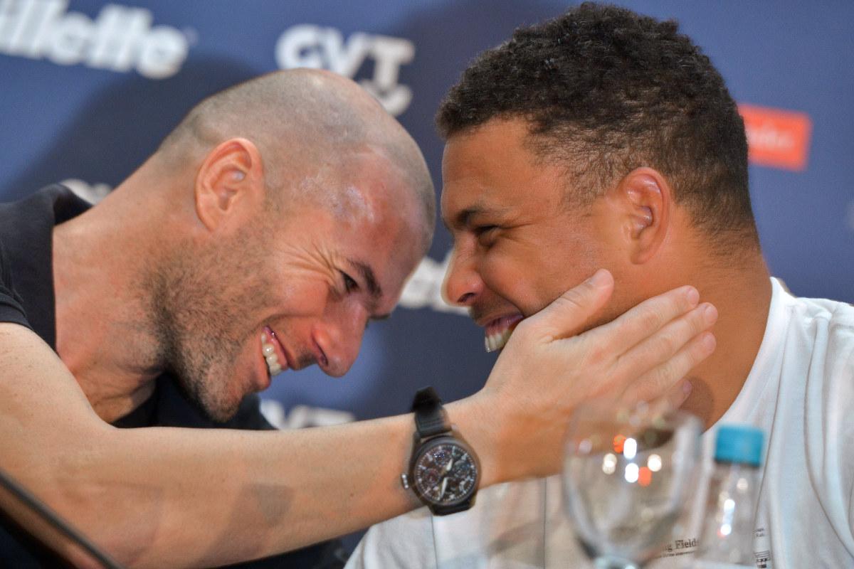 Zidane y Ronaldo presentando el partido contra la pobreza. (AFP)