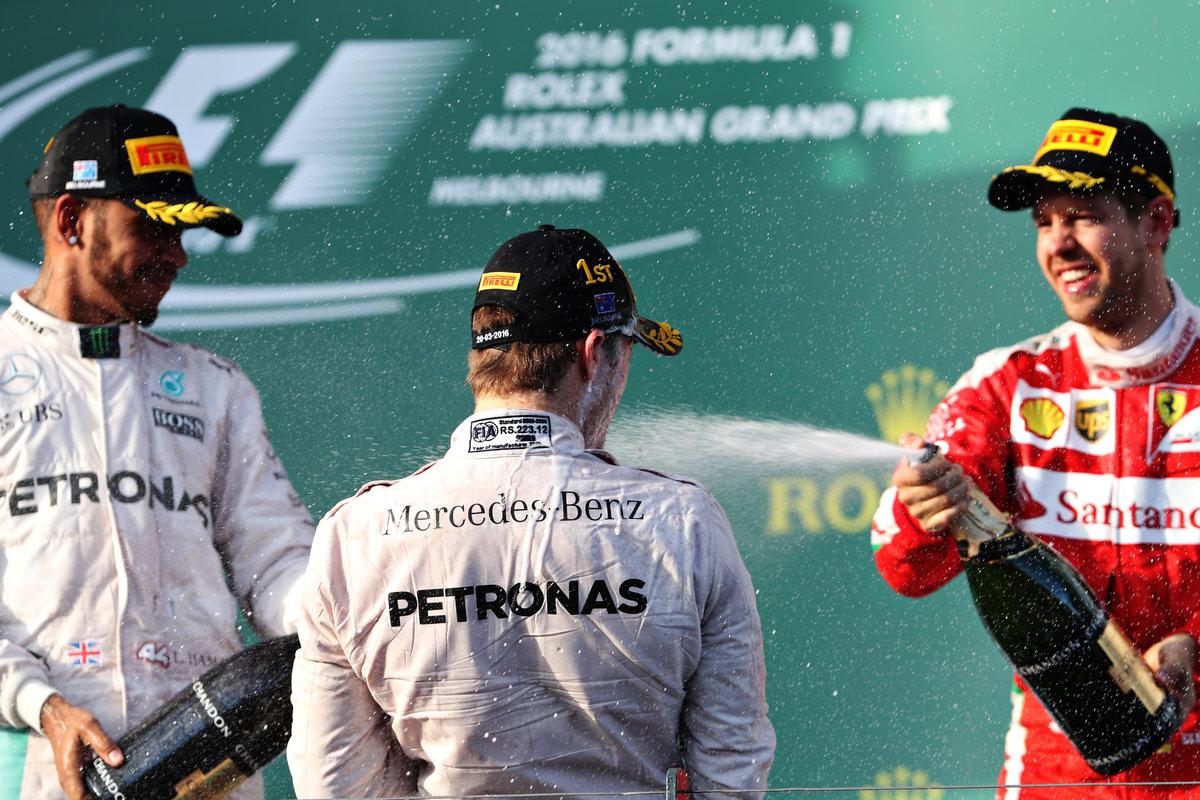 Rosberg, Hamilton y Vettel en el podio de Australia (Getty)