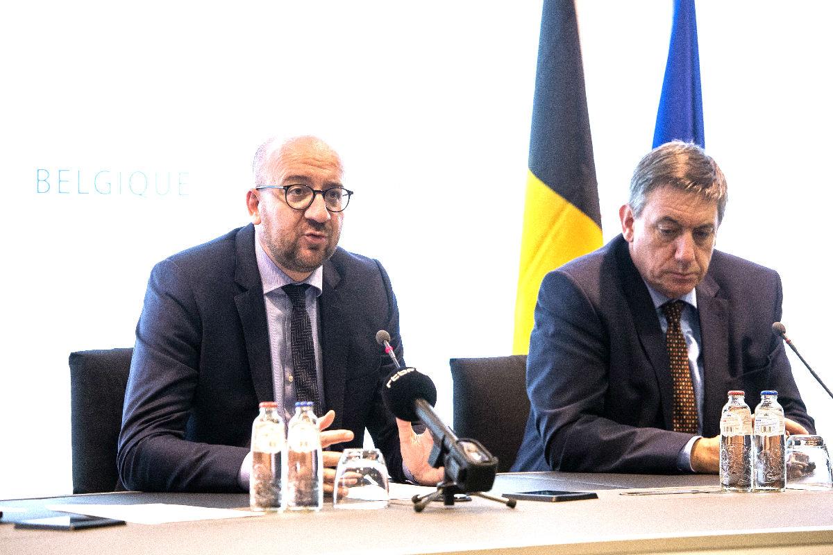 El primer ministro belga y el del Interior en una reciente imagen (Foto: AFP).