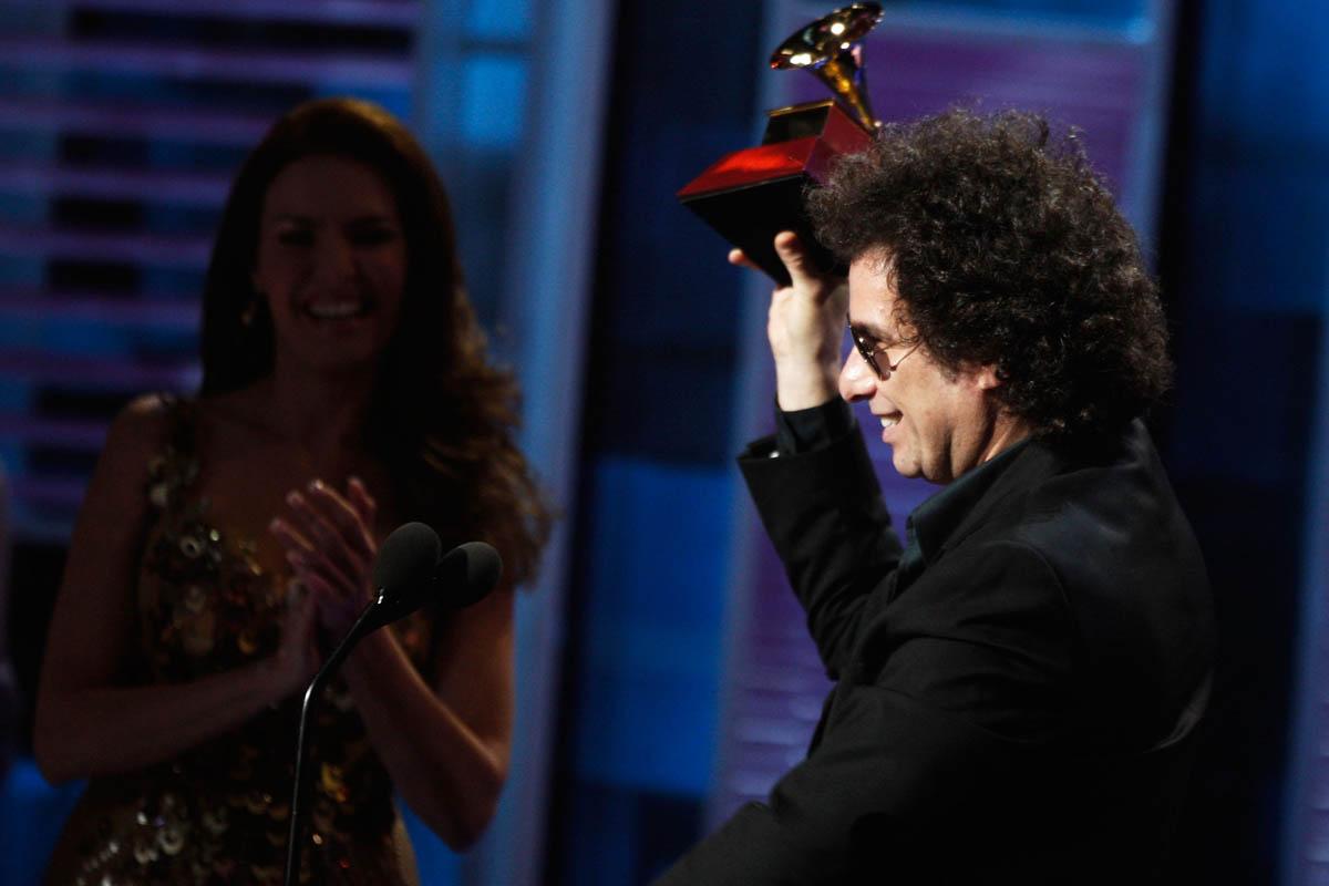 Andrés Calamaro, con un premio Grammy (Foto: Getty)