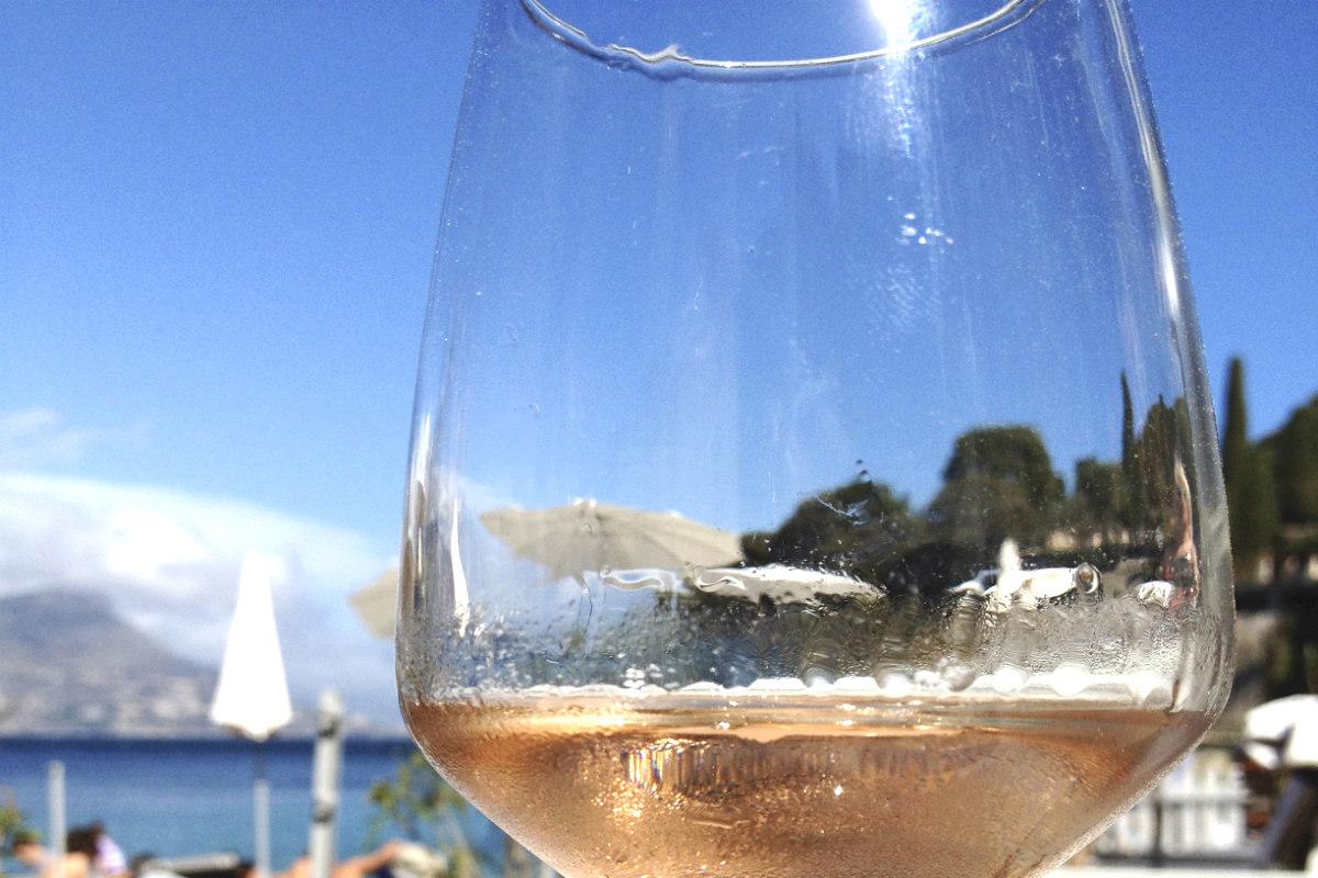 Copa de vino rosado (Foto: istock)