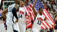 Anthony Davis celebra con Kobe Bryant y Chris Paul la medalla de oro olímpica en Londres. (Getty)