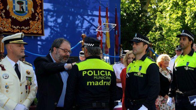 Javier Barbero presionado por el plantón de todos los sindicatos convoca al fin mesa de negociación