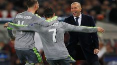 Zidane junto a Sergio Ramos y Cristiano Ronaldo en el Olímpico de Roma