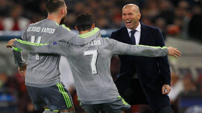 Zidane insiste en el vestuario: «No hay que relajarse, aún no estamos clasificados»