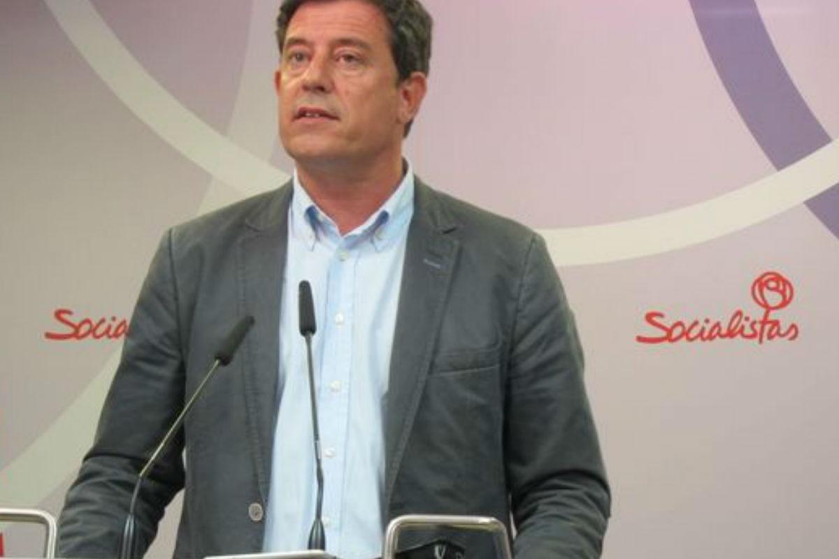 José Ramón Gomez Besteiro en rueda de prensa. (Foto: PSOE)