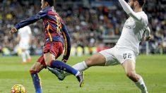 Isco fue expulsado por una patada sobre Neymar.
