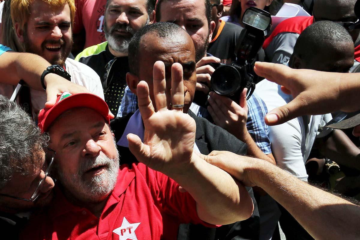 Lula da Silva, tras ser liberado de su detención (Foto: Reuters)