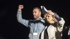 Nacho Murgui con Manuela Carmena. (Foto: Wikimedia)