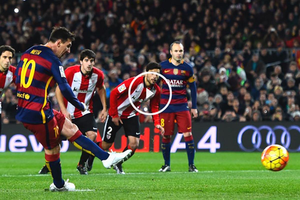 Messi lanza un penalti esta temporada. (Getty)