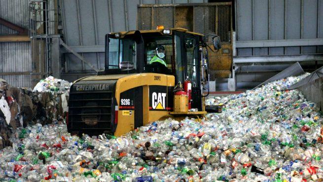 Reciclaje de envases de plástico (Foto: GETTY).