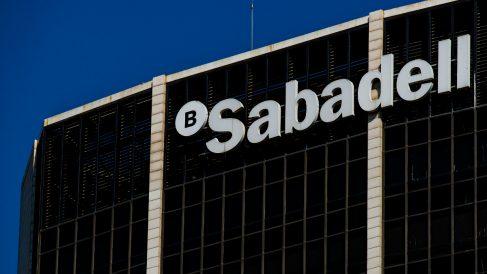 Sede de Banco Sabadell en Barcelona (Foto: GETTY).
