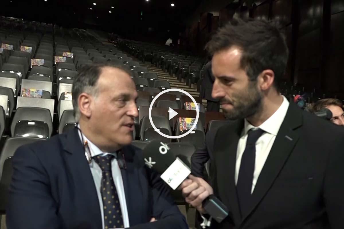 Álvaro Ojeda junto a Javier Tebas en la Gala del Deporte.