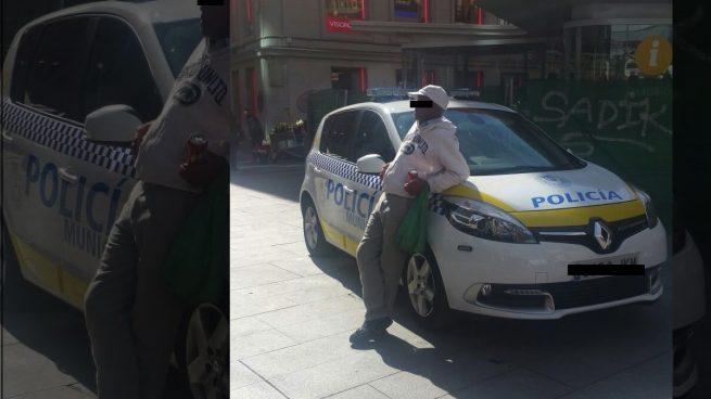 Los manteros toman el centro de Madrid al tener Carmena a sus policías haciendo cursos