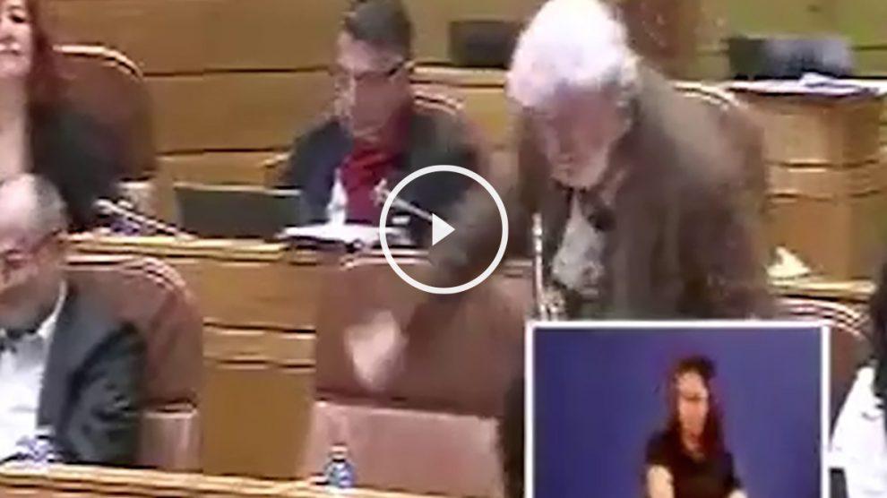 Beiras, fuera de sí, en el Parlamento gallego.