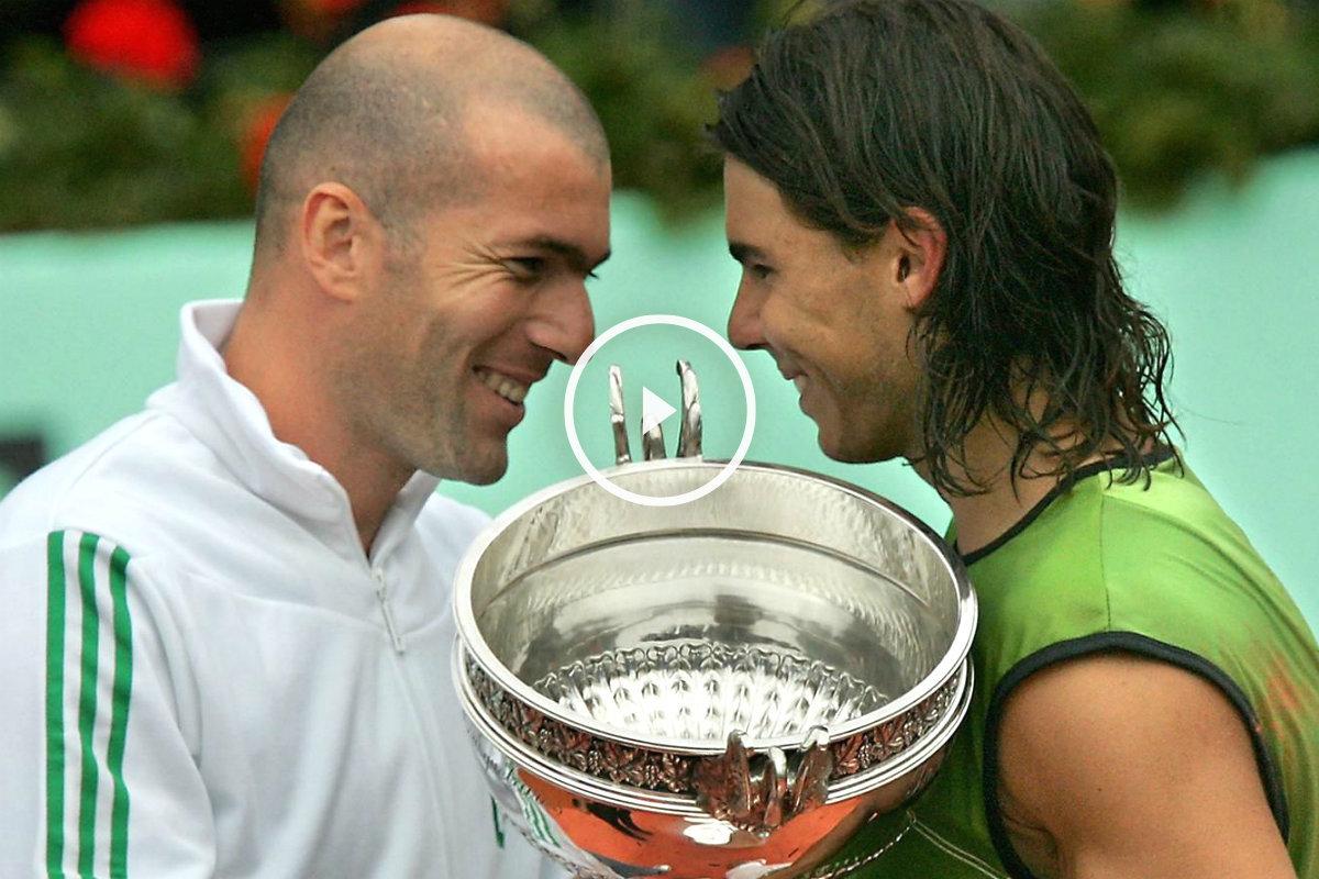 Zidane habla con Rafa Nadal tras entregarle el trofeo de ganador de Roland Garros. (AFP)