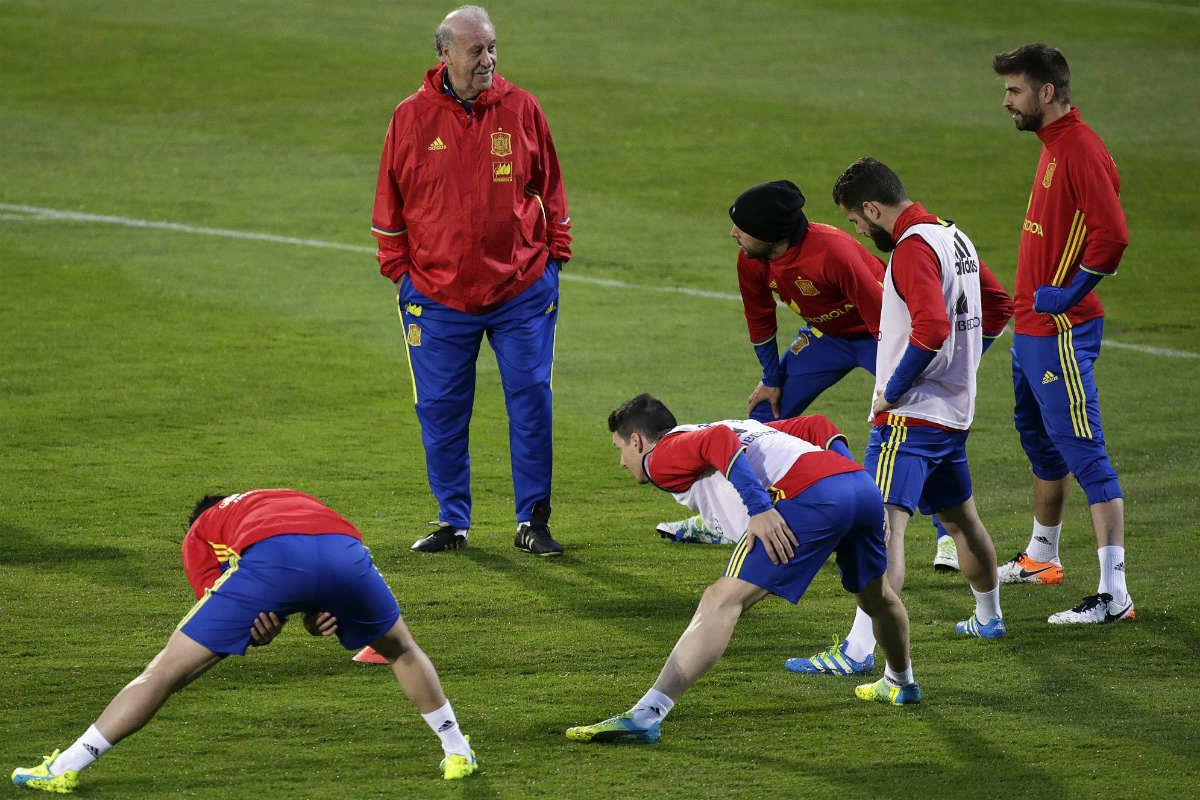 Del Bosque, en el entrenamiento de España en Udine. (EFE)