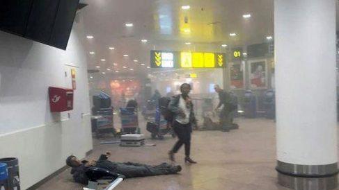 Imagen del aeropuerto de Zaventem instantes después de los atentados.