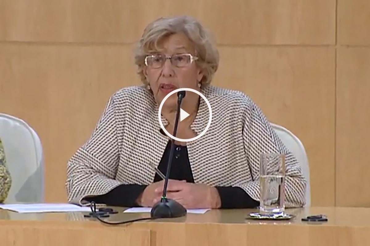 Manuela Carmena durante la rueda de prensa convocada a la hora del pleno