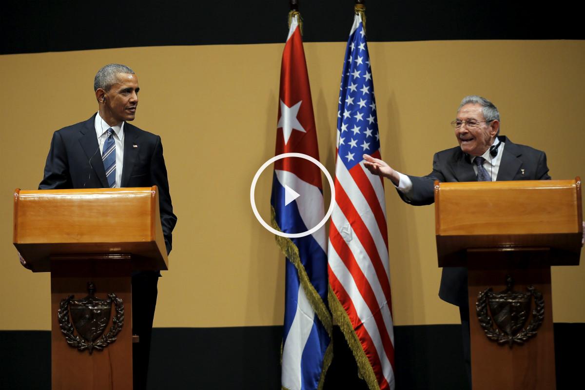 Raúl Castro, airado, respondiendo al periodista ante un estupefacto Obama. (Foto: Reuters)