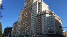 El Edificio España (Foto: A.J. CHINCHETRU).