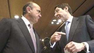 Luis de Guindos y José Ignacio Goirigolzarri. (Foto: EFE)