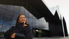 Zaha Hadid, en el Riverside Museum de Glasgow, obra suya. (Getty)
