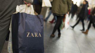 Compras en Zara. (Foto: Getty)