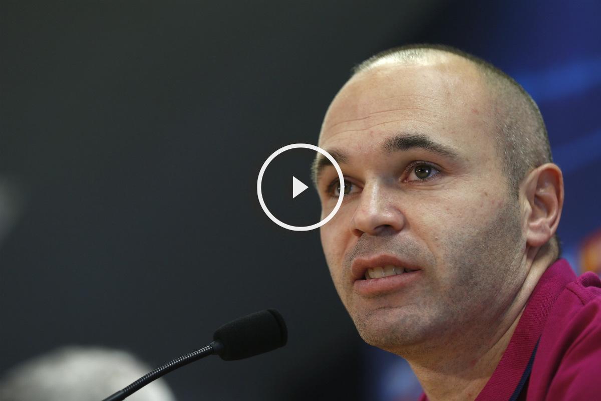 Iniesta compareció en sala de prensa, a tres días del Clásico. (EFE)